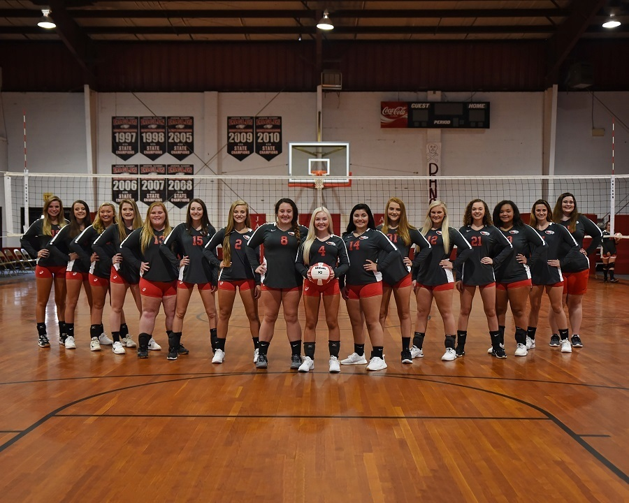 Varsity Volleyball Compete at Regionals